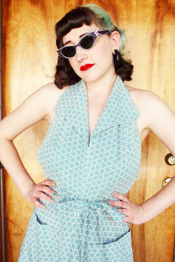 Swinging 1950's Cotton Wrap Around Summer Halter Dress with Green Atomic Flower Pattern Size-M