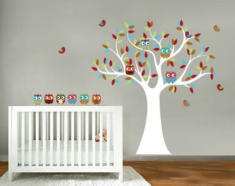 children's tree decal - Nursery wall decal - Owl tree - Vinyl wall decal - 6 Free owls