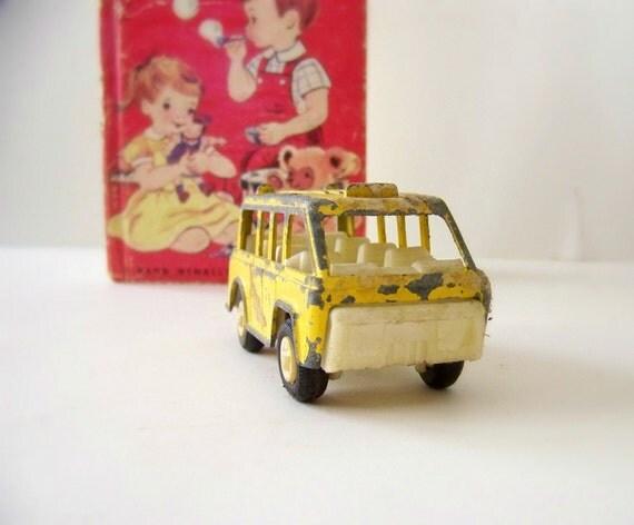 1970 Tootsie Toy Bus
