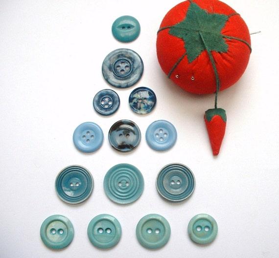 Destash - 14 Pretty Blue Vintage Buttons. Teal, Mid-Blue, Aqua, Turquoise. 3 x Retro Sets. Instant Collection.