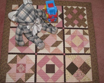 Baby Quilt, Quilted Wall Hanging, Sample Quit