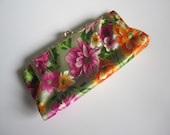 Retro Hawaiian Clutch // Wallet // Makeup Case // Metal Frame // Beautiful Tropical Exterior