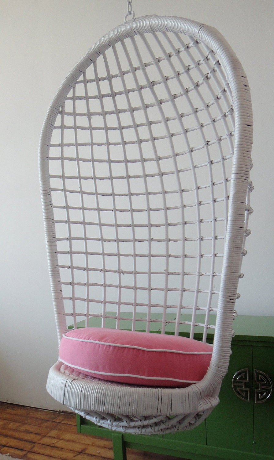 Hanging Basket Chair Egg Chair Rattan Wicker Pink and White