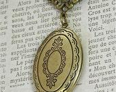 "Vintage Victorian Photo Locket Necklace,  Antique Gold 24"" Chain"