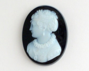 Signed Victorian Hardstone Cameo