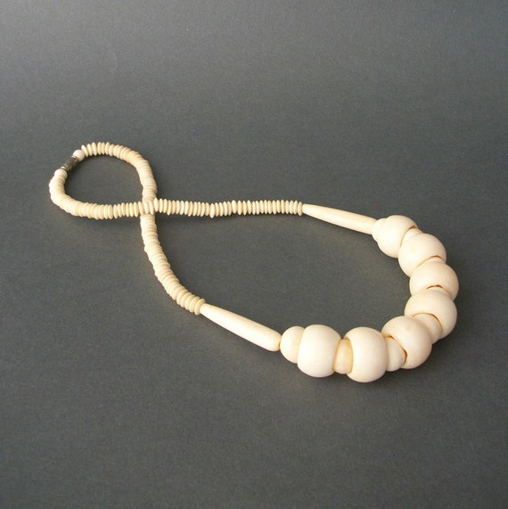 Bones . Vintage Tribal Necklace . Chunky 70s or 80s .