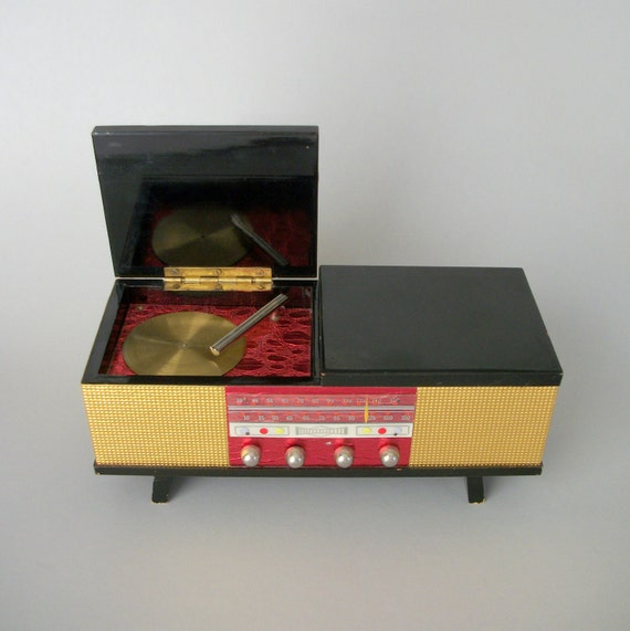 Vintage Music Box . Jewelry Trinket Secret Stash . Japanese Turntable Console . Lacquer .