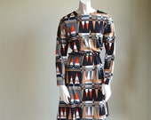 Perfect Mod Dress // Belted // 60s 70s // Larger Size