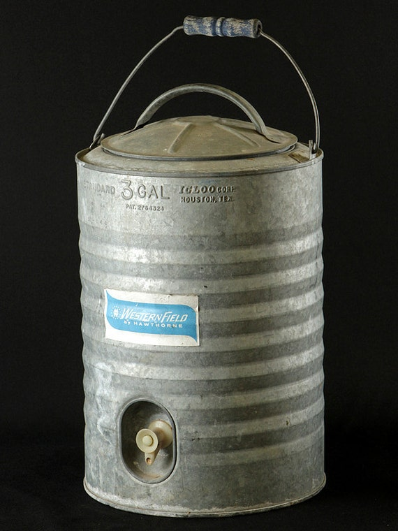 Vintage galvanized igloo 3 gallon water cooler for d cor - Igloo vintage ...