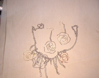 freeform flowers necklace and earring set