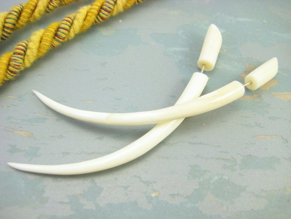 Bone Fake Gauges Earrings Bone Talon Earring White Tribal Organic - FG035 B G1