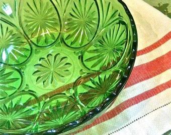 Vintage Green Pressed  Starburst Pattern Glass Fruit Bowl 1950's