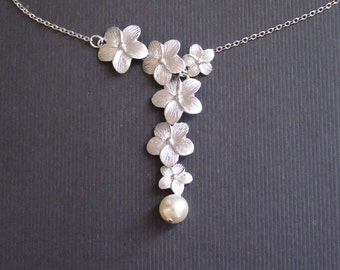 10% Off-Necklace, Beadwork Necklace, Triple Daisy Flower, Bridesmaids Gift, Wedding Gift, Charm, Statement, Pendant Necklace