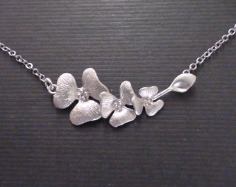 Delicate Of Triple Flower Connector-White Gold Plated Necklace