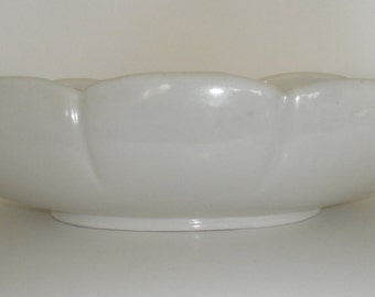 Vintage 1950's ABINGDON POTTERY White Low Bowl