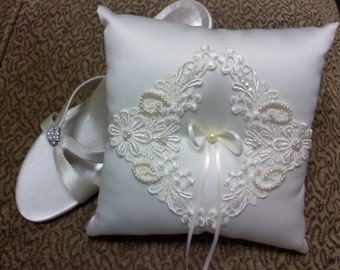 Vintage handmade ivory ring pillow with white lace and bead applique