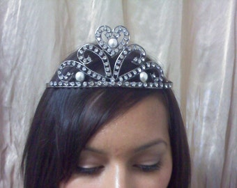 Vintage tiara with rhinestones and pearls beads
