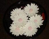 """Gum Paste Daisies (Daisy) Large 2 1/4"""" - GumpasteGarden"""