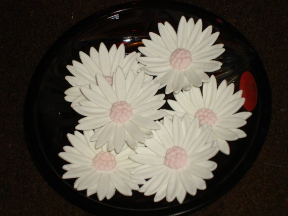 Gum Paste Daisies (Daisy) Cake Toppers, Cupcake Toppers for Weddings, Showers, Special Event Cakes