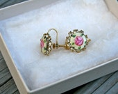 Vintage Earings, Painted Flowers Clip on