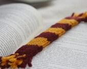 Gryffindor Bookscarf - Harry Potter Hogwarts House Scarf bookmark knitted