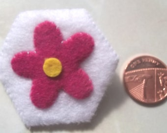 Hand stitched felt flower brooch in pink and white
