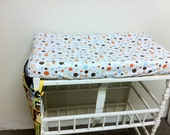 Polka dots fitted changing table cover