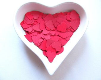 Confetti - 200 CARDBOARD hearts - Red - Spring - Summer - Wedding - Baby shower - Flavors - Decor