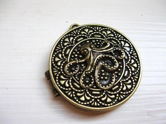 Octopus Locket in Oxidized Bronze