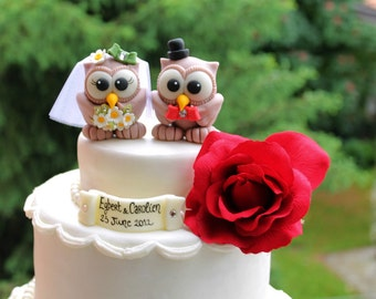 Wedding cake topper owl love bird, personalized with banner