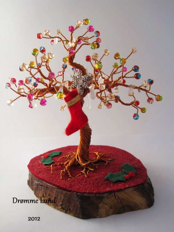 Holly Tree (Christmas Themed Copper Wire Tree Sculpture)