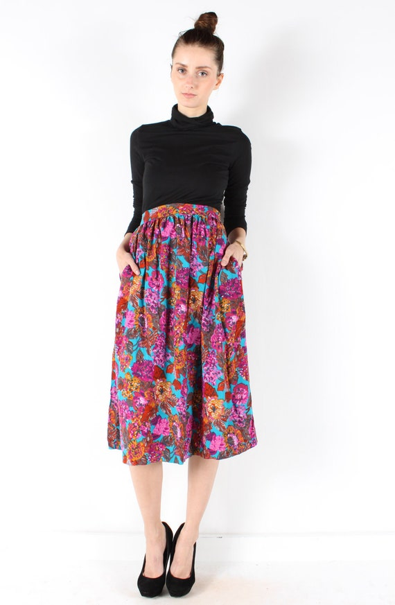 Vintage floral skirt // midi skirt // 80s // jewel tone floral print //  flowy pleated  // small medium