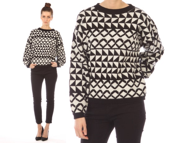 triangle geometric sweater // vintage 80s // black and white graphic print // cropped // medium