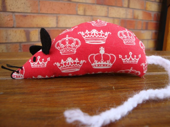 Elizabeth the Catnip Mouse - Red Crowns design - Jubilee
