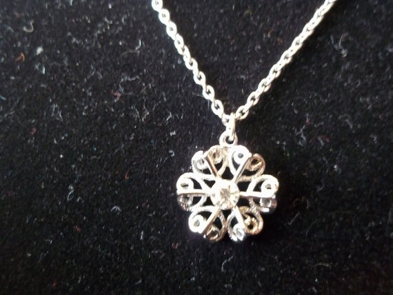Vintage Snowflake Necklace