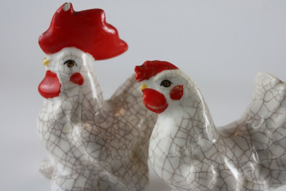 figurine set rooster chicken crackle finish vintage collectable white ceramic