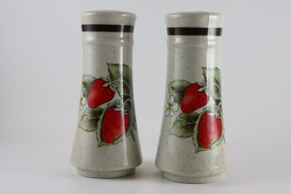 shakers ceramic salt pepper set home and living kitchen salt and pepper strawberries home and garden