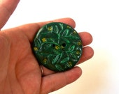 Hand-carved Button (Green Vines)