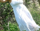 Pretty Summer Vintage White Eyelet Sundress