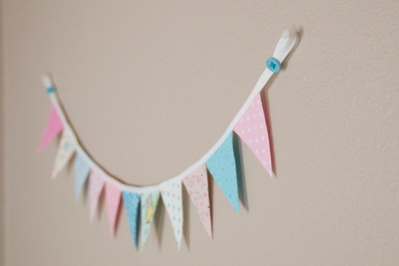 Banner/Pennant 11 mini flags - Owl Pastel theme - great photography prop
