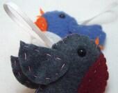 Bird felt plushie ornament -  Greyson ( the denim gray robin)