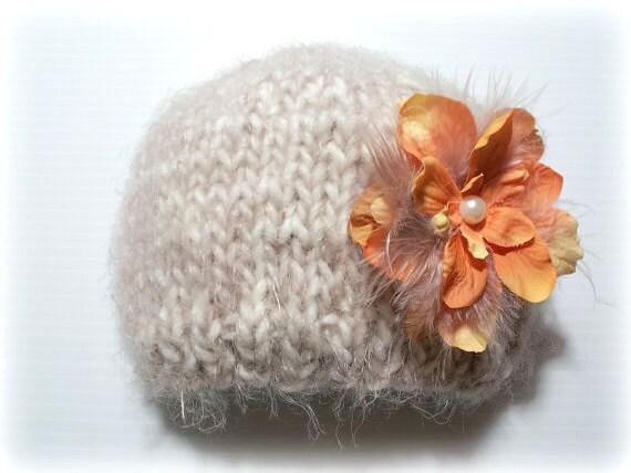 newborn photography prop-cream beige beanie hat with removable clip- newborn-3 months-soft to skin wool blend yarn-baby shower gift