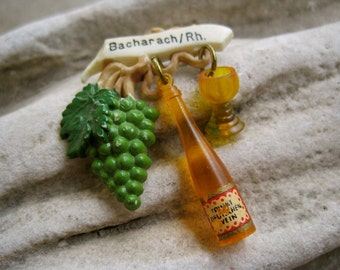 Wine Brooch Vintage 40s Celluloid Brooch German Collectible Souvenir Pin Bacharach Rhine with Grapes Bottle Wine Glass