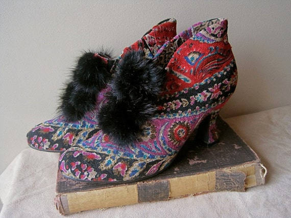 Victorian Style ANKLE BOOTIES Mink and Paisley Shoe Boots Vintage SIZE 8