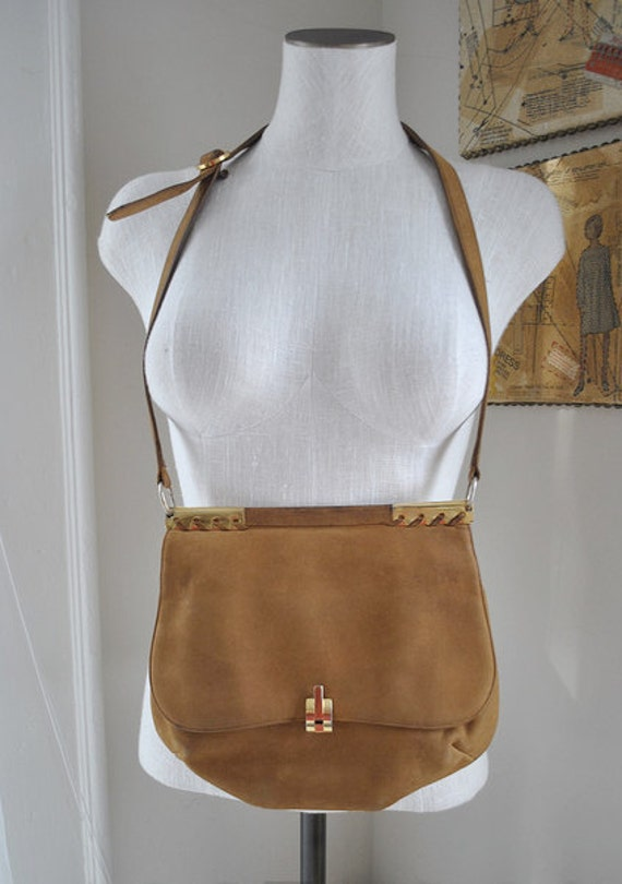 lady librarian // Vintage 70s Top Frame Gold Caramel Cross Body Bag