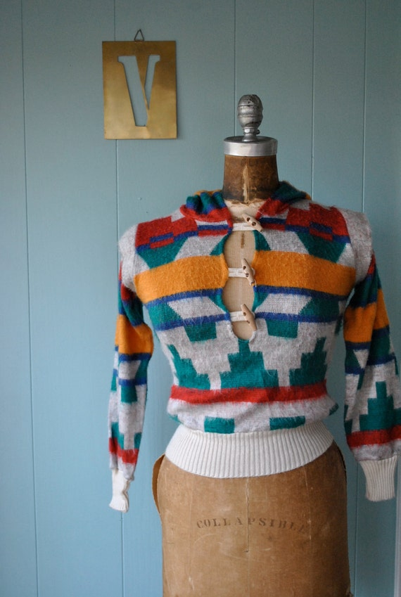 RESERVED cowboy kitsch // sweaters // 70s Earthy Ethnic Southwest Print Hooded Top // Size XS S