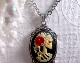 Romantic Gothic Fantasy - Gothic Lolita Necklace - Skull - Skeleton Red Rose skeleton Cameo