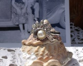 Avon Rhinestone and Faux Pearl Cluster Ring