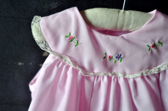 vtg pink baby girl dress, summery, with embroidered flowers