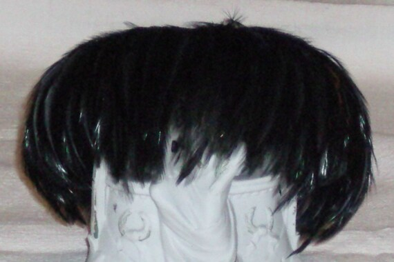 Vintage Feather Hat..Shiny Black Emu Feathers...Good Condition